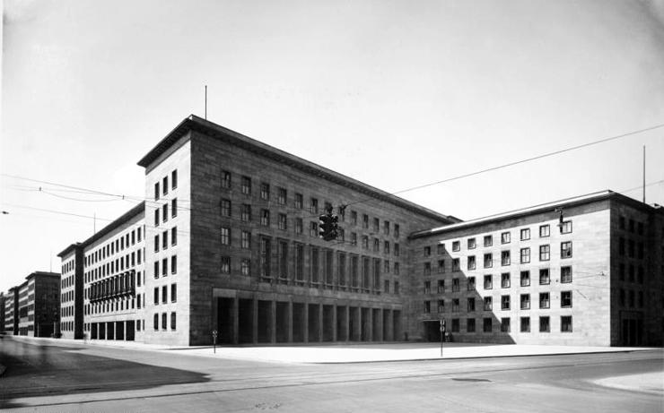 Bundesarchiv_Bild_146-1979-074-36A,_Berlin,_Reichsluftfahrtministerium