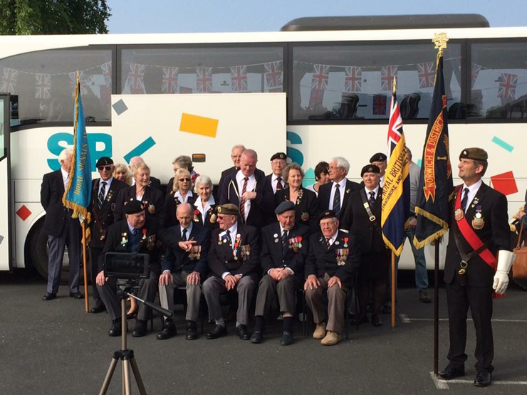 The Norwich and District veterans association posing for their photograph outside hotel.