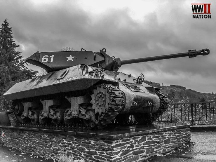 m10-achilles-tank-destroyer-la-roche-bw