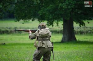 DFVS-Battle-Training-Exercise-American-Soldier-Advances-1