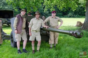 DFVS-Track-and-Wheel-Team-with-British-17-Pounder-Gun-Ready