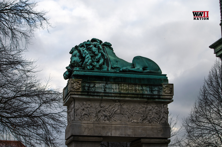Sleeping Lion Invaliden Cemetery