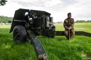 DFVS-Tom-from-Track-and-Wheel-British-17-Pounder-Gun-Ready