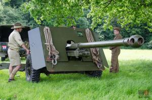 DFVS-Track-and-Wheel-Team-with-British-17-Pounder-Gun-Primed-Ready